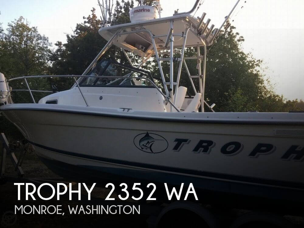 1999 TROPHY 2352 WA for sale