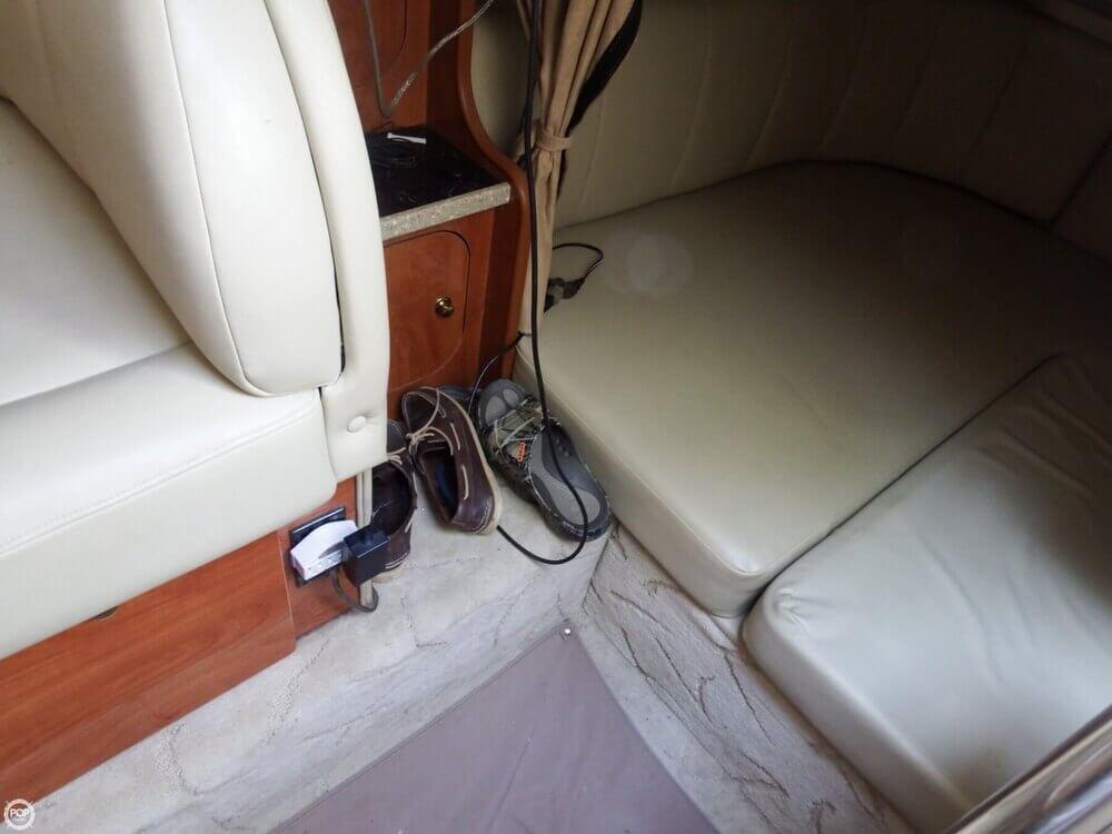 2005 Rinker Fiesta Vee 342 - image 3