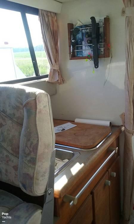 1994 Bayliner boat for sale, model of the boat is Cierra 2566 & Image # 15 of 22