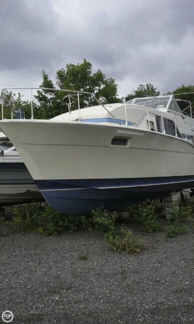 Chris-Craft Catalina, 35', for sale - $14,500