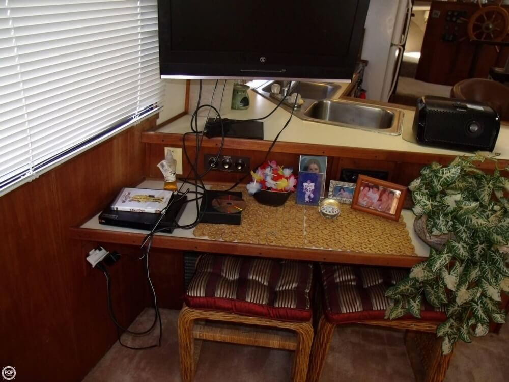1989 Harbor Master boat for sale, model of the boat is Coastal 450 & Image # 13 of 40