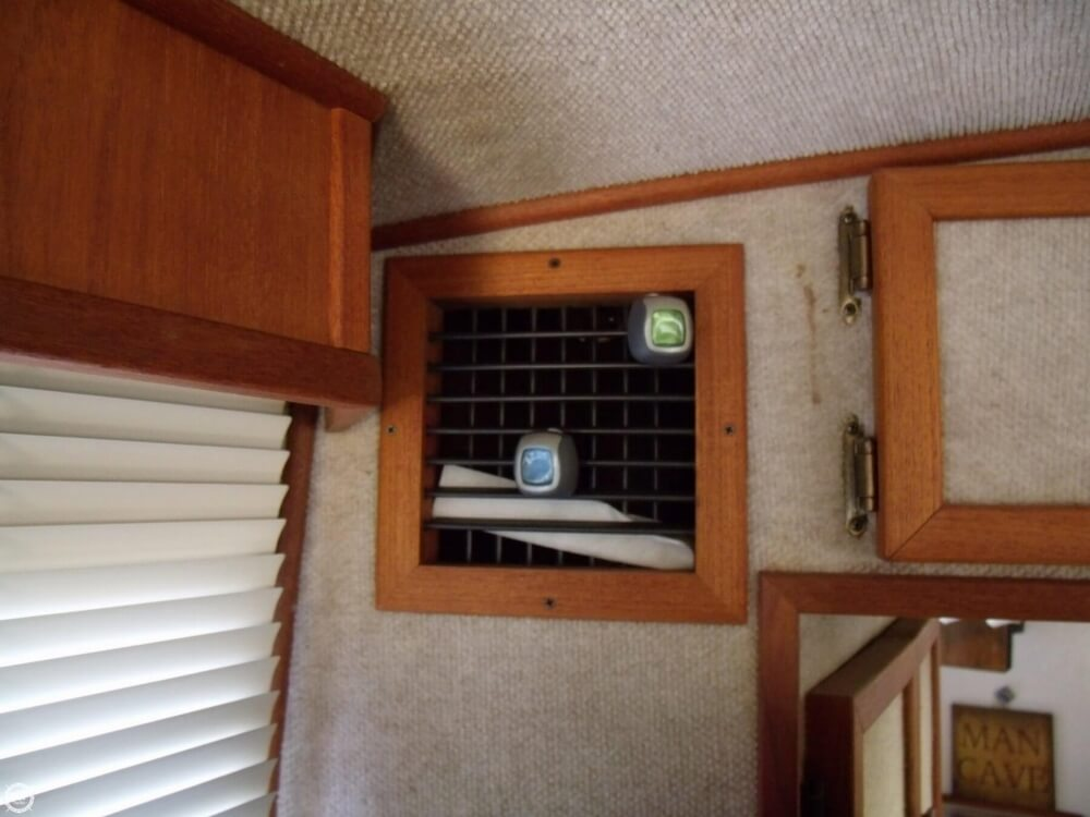 1989 Harbor Master boat for sale, model of the boat is Coastal 450 & Image # 22 of 40
