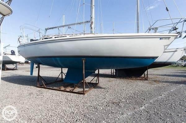 1983 Catalina 36 - Photo #1