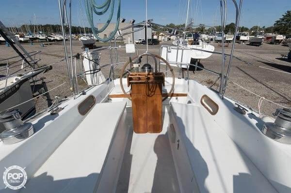 1983 Catalina 36 - Photo #4