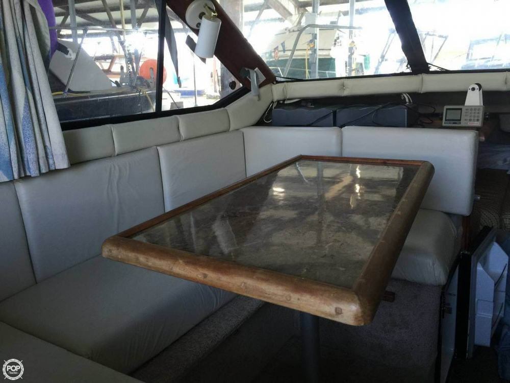 1990 Bayliner 25 - Photo #8