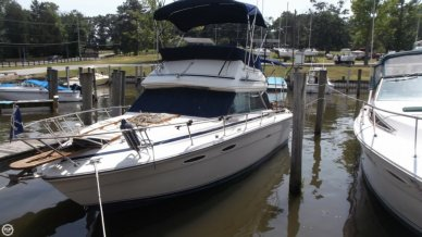 Sea Ray 255 SRV Sedan Bridge, 25', for sale - $13,500