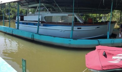 Matthews 43 Flushdeck, 43', for sale - $24,900
