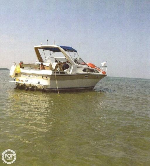 1984 Bayliner 28 - Photo #4