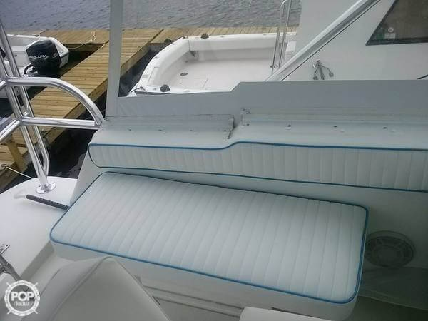 1987 Bayliner 33 - Photo #14