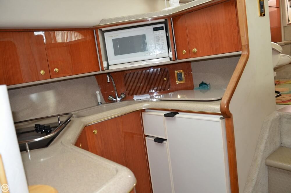 1997 Sea Ray 37 - Photo #14