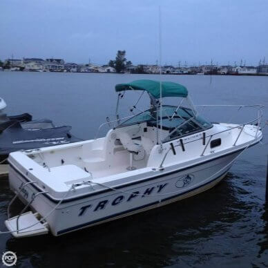 Trophy 2052 Walkaround, 20', for sale - $12,899