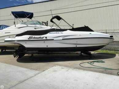 Rinker Captiva 276 BR, 29', for sale - $63,500