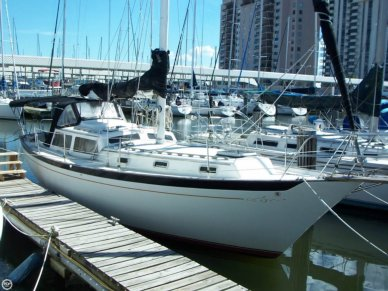 Islander 38 Freeport Sloop, 38', for sale - $45,000