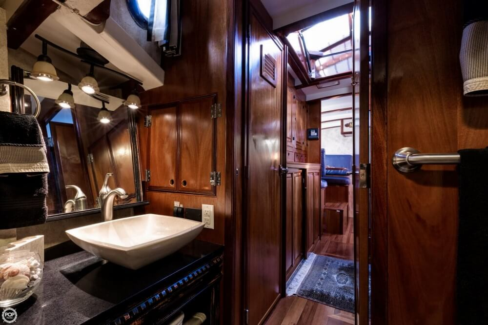 2009 Custom boat for sale, model of the boat is 46 Diesel Duck & Image # 39 of 40
