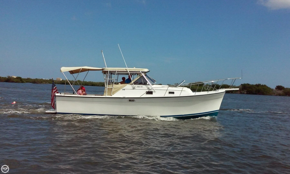 1987 Luhrs 30 - Photo #2