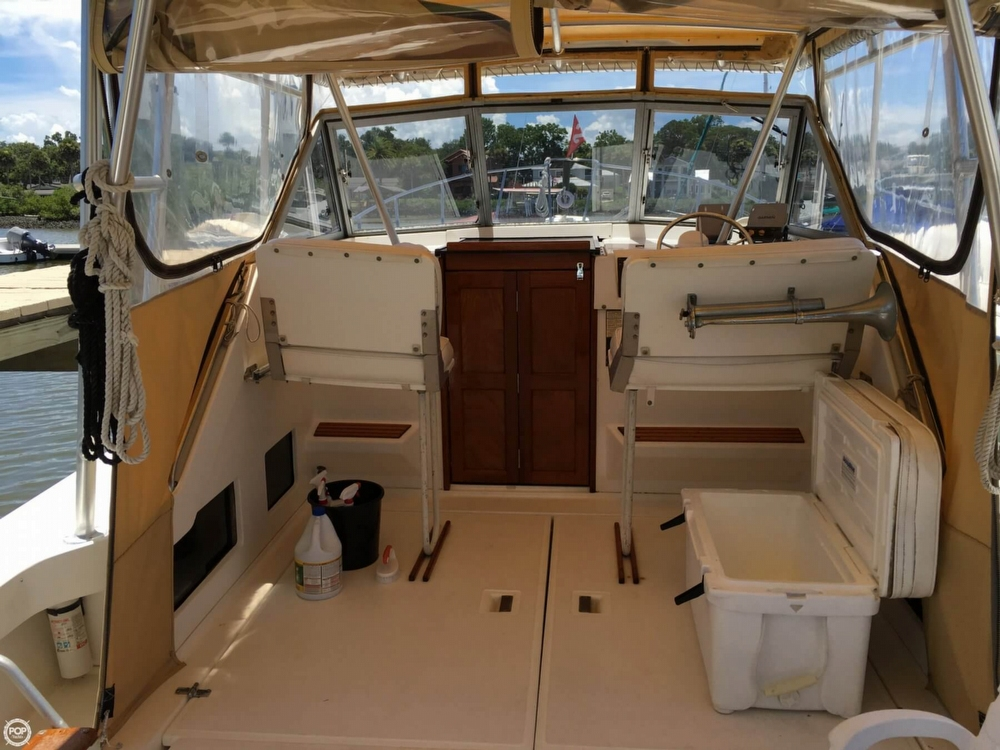 1987 Luhrs 30 - Photo #13