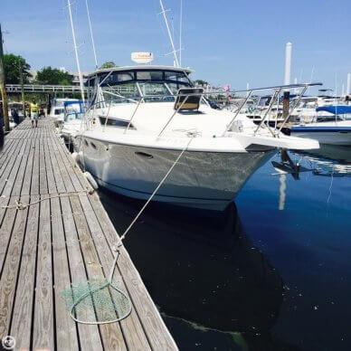 Wellcraft 330 Coastal, 33', for sale - $49,995