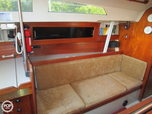 1980 C & C Yachts 34 - Photo #29