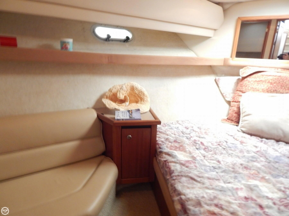 1998 Bayliner 35 - Photo #19