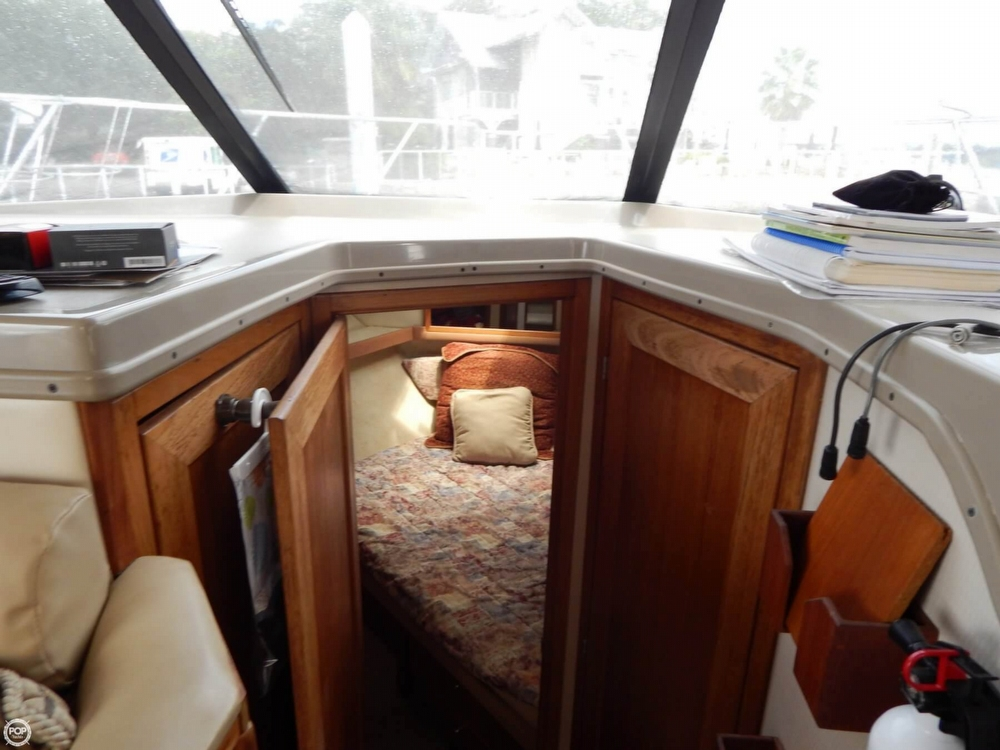 1998 Bayliner 35 - Photo #34
