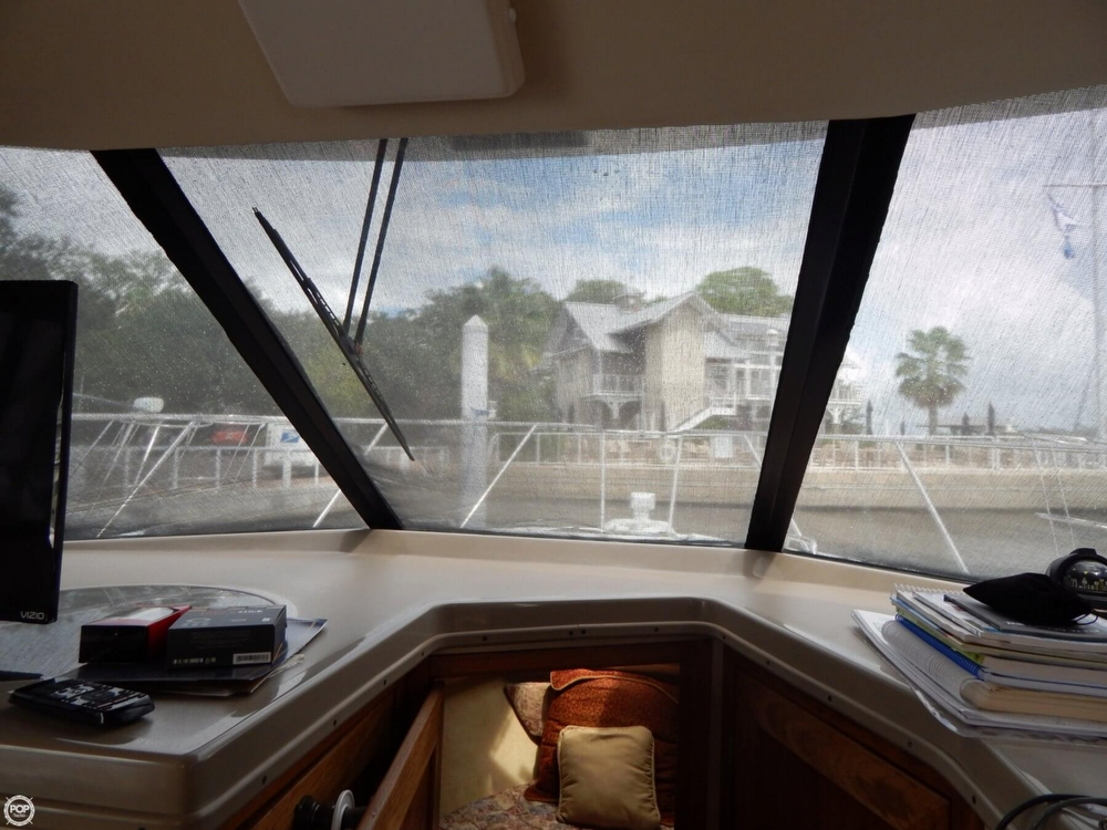1998 Bayliner 35 - Photo #36