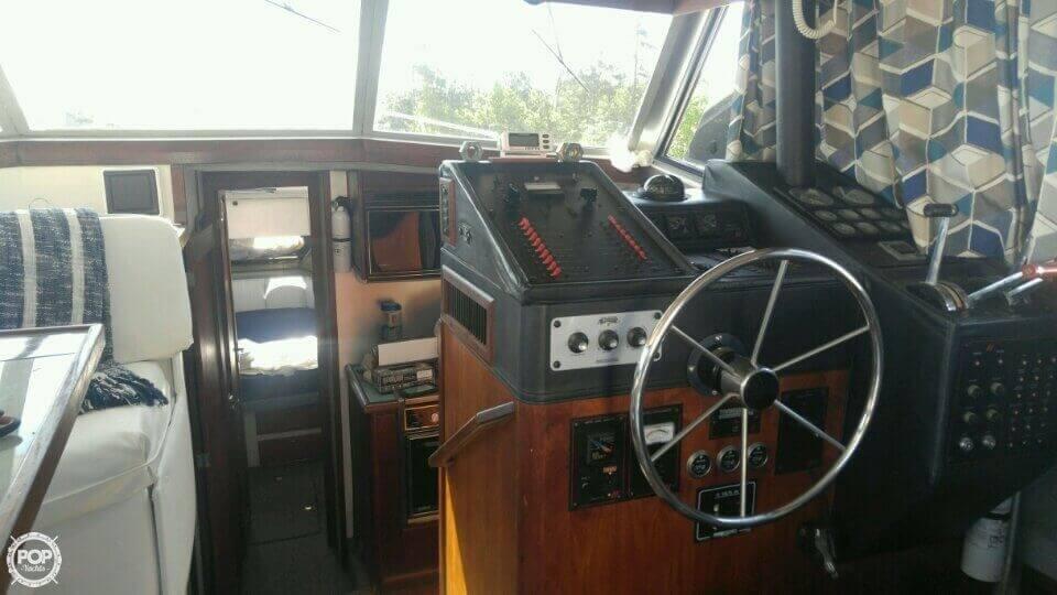 1988 Bayliner 38 - Photo #11