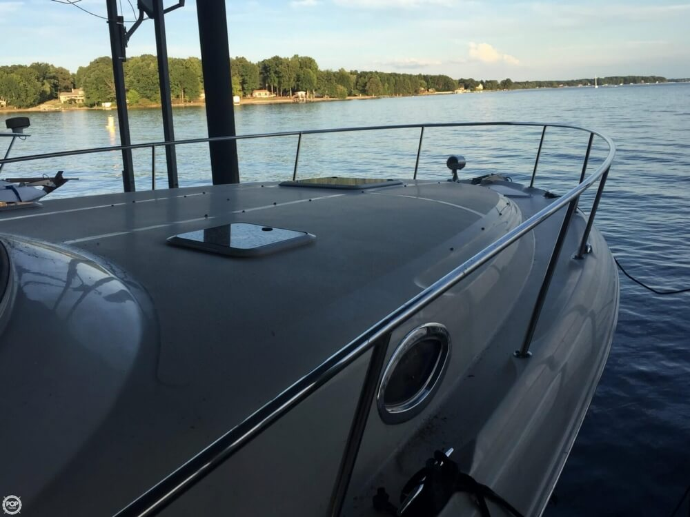 2001 Sea Ray 33 - image 35