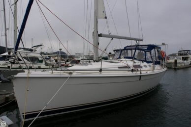 Hunter 38, 38', for sale - $145,000