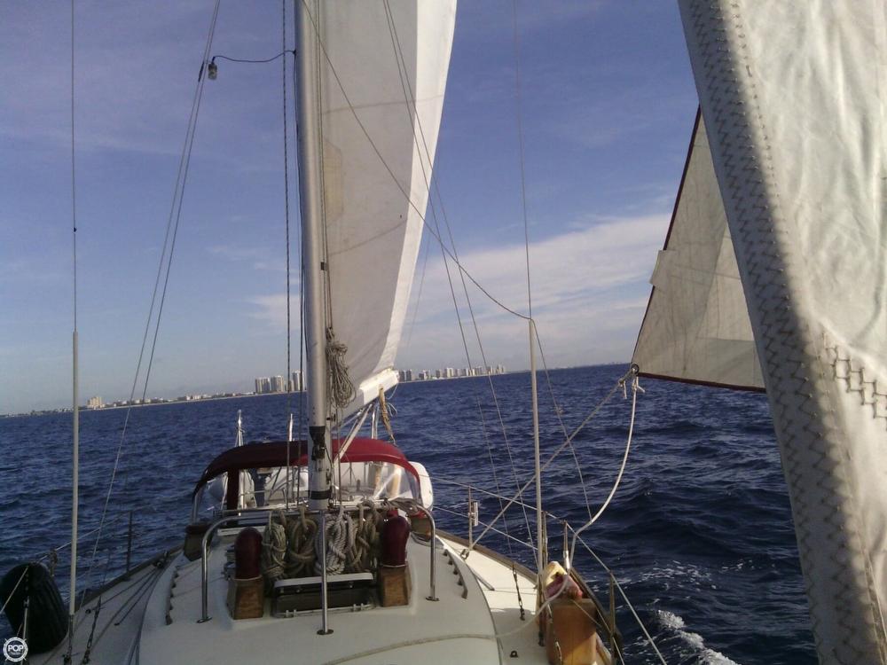 1984 C & C Yachts 37 - Photo #2