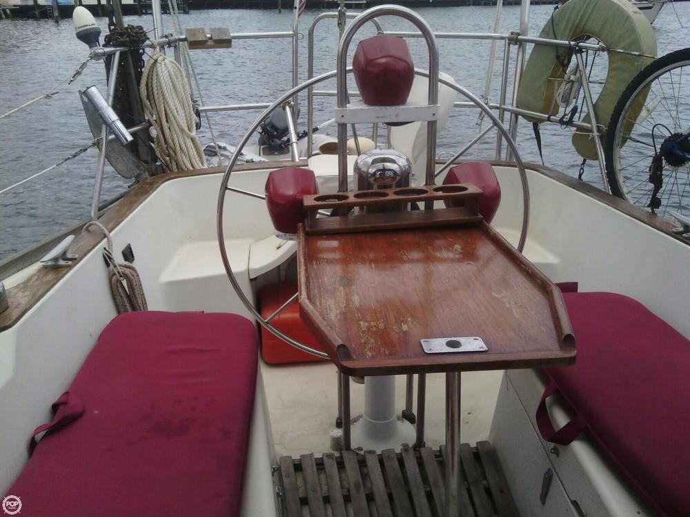 1984 C & C Yachts 37 - Photo #3