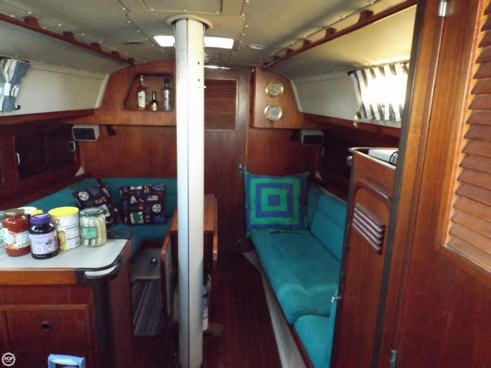 1984 C & C Yachts 37 - Photo #5