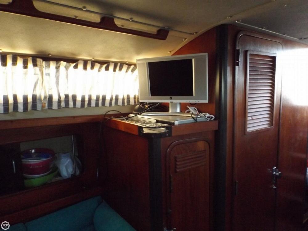 1984 C & C Yachts 37 - Photo #6