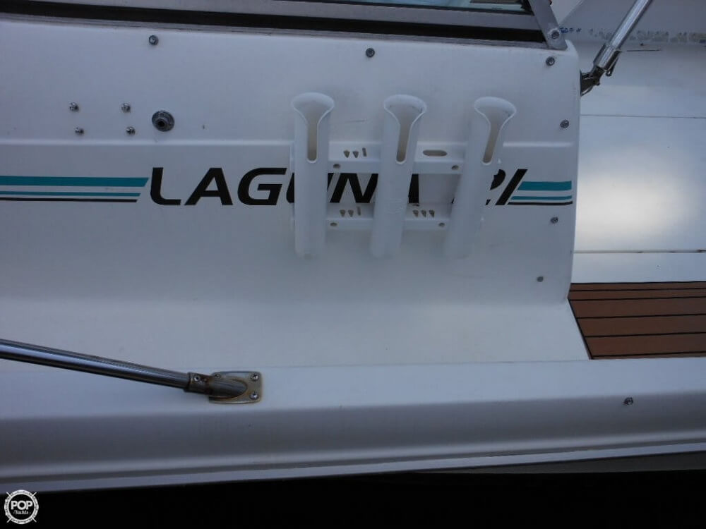 1993 Sea Ray boat for sale, model of the boat is Laguna 21 WA & Image # 8 of 40