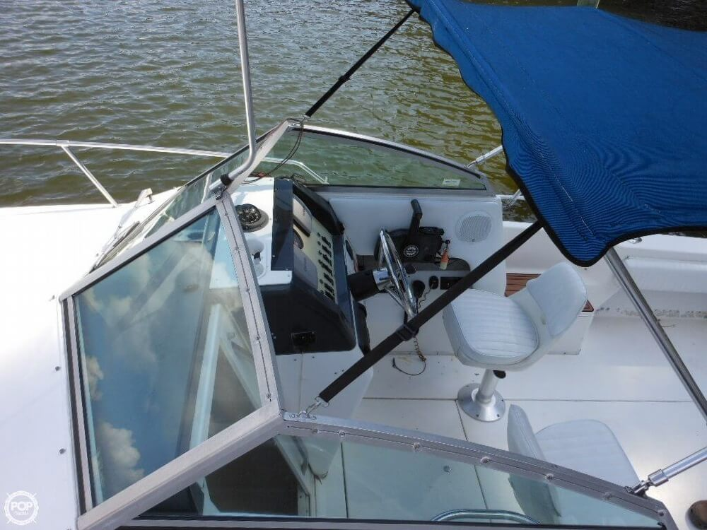 1993 Sea Ray boat for sale, model of the boat is Laguna 21 WA & Image # 23 of 40
