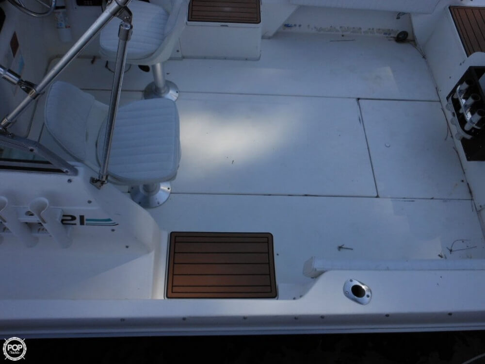 1993 Sea Ray boat for sale, model of the boat is Laguna 21 WA & Image # 25 of 40