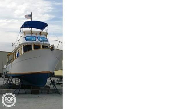 1974 Marine Trader 33 - Photo #2