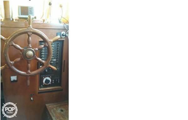 1974 Marine Trader 33 - Photo #11