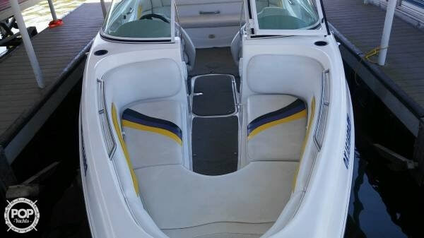 2005 Caravelle 23 - Photo #3