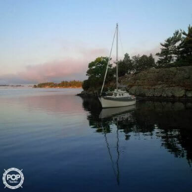 Fales 32, 32', for sale - $42,100