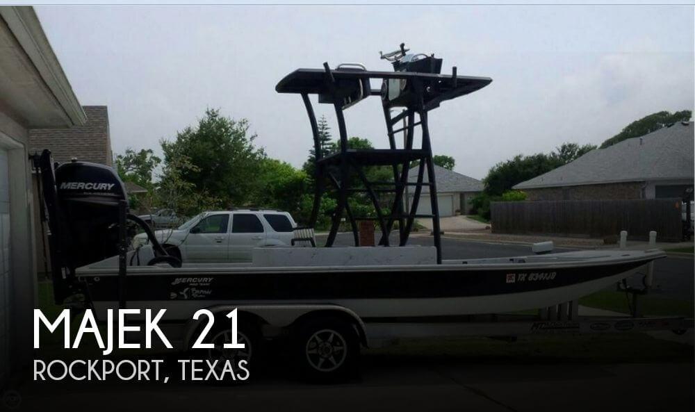 21 Foot Majek 21 21 Foot Motor Boat In Rockport Tx