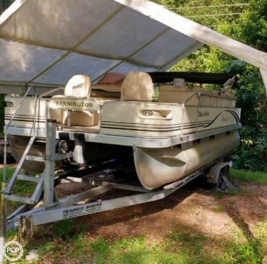 Bennington 2275 FSI, 22', for sale - $15,500