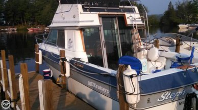 Cruisers 298 Villa Vee, 28', for sale - $14,500