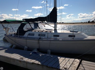 Pearson 303, 30', for sale - $12,900