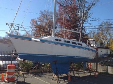 Laguna 30, 30', for sale - $20,000