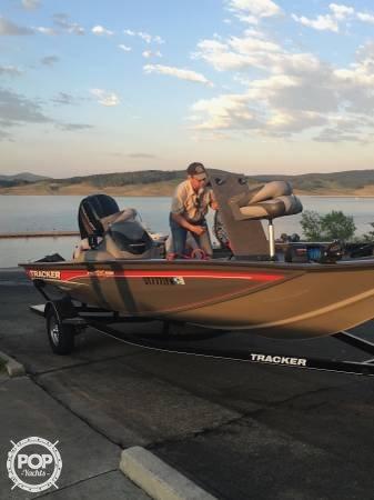 Bass Tracker Pro Team 195 TXW, 18', for sale - $25,200