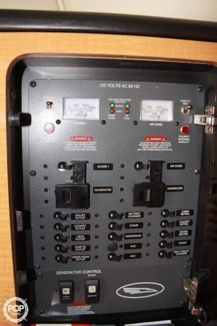 2006 Chaparral 35 - image 17