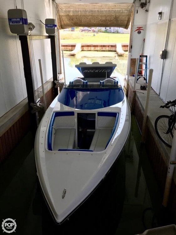 2017 Hustler boat for sale, model of the boat is 29 Rockit MC & Image # 2 of 41