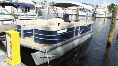 Sweetwater Premium 235c, 24', for sale - $19,499