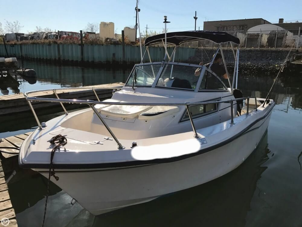 1994 Grady-White boat for sale, model of the boat is Adventure 208 & Image # 4 of 16