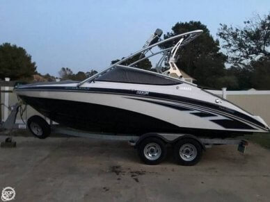 Yamaha 212X, 21', for sale - $35,000